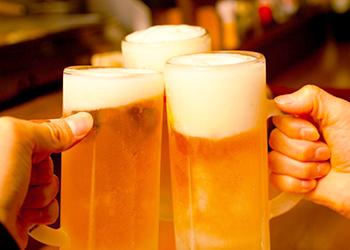 宴会でビール!