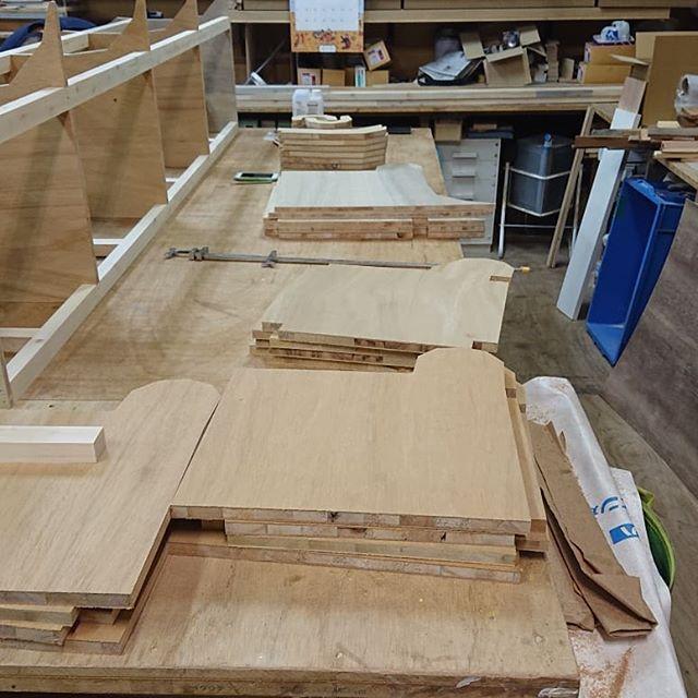 作ったよシリーズ。お店のベンチ。これもハンドメイド#ネコンテ #ハンドメイド #手作り家具 #ゆったり空間 #一人飲み