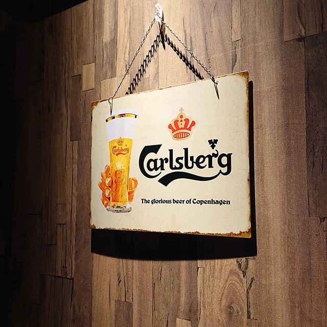 カールスバーグの看板。可愛い️ #カールスバーグ #ネコンテ
